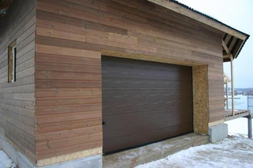 Фасад дома в Подмосковье - въезда в гараж